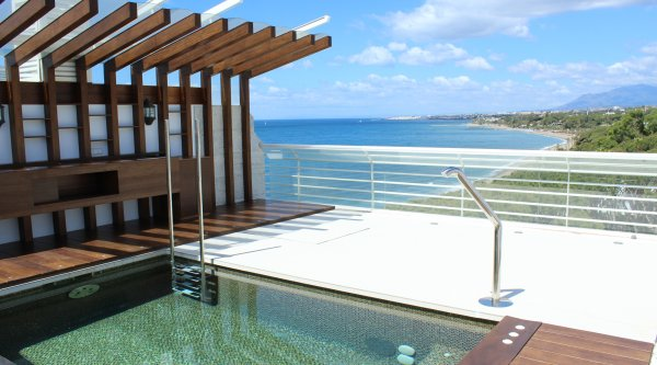 Marina Mariola Marbella, Stunning 3 bedrooms Penthouse with private pool